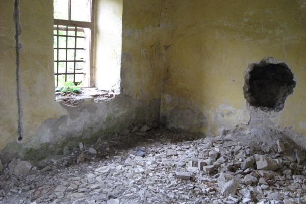 unutrasnjost-dvorca-kneza-aleksandra-pre-rekonstrukcije-33B1400BC-A846-463C-9E05-75A03CE41889.jpg